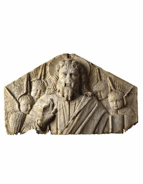 Bassorilievo in marmo del Maestro della Tomba di Niccolò V Cristo benedicente con quattro serafini