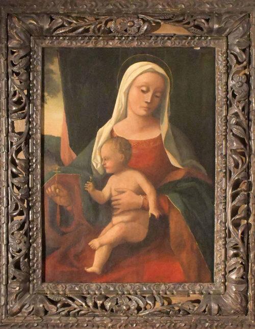 Dipinto del Maestro degli inchini Madonna con Bambino davanti a una tenda e vista su un paesaggio Olio su tavola